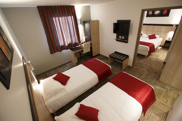 Hôtel Akena City - Bezannes