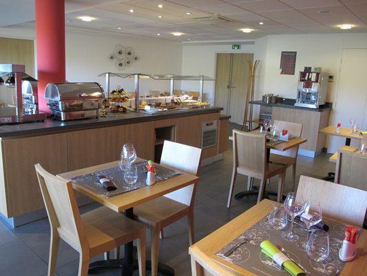 Hôtel-restaurant Best Hôtel Croix Blandin – Reims