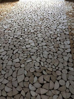 Plancher en bois debout