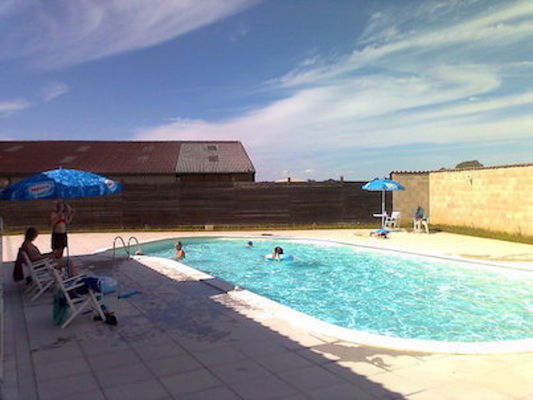 Camping La Croix Badeau - la piscine