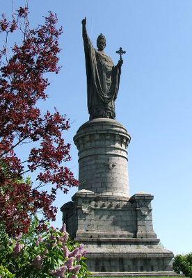 Statue du Pape Urbain II - Châtillon sur Marne