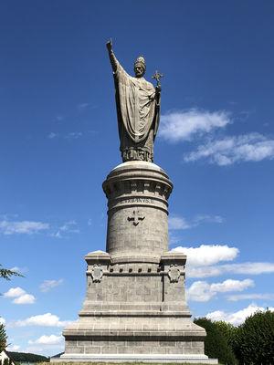 Statue-du-Pape-UrbainII-2--Chatillon-sur-Marne-g-peze-OTPC