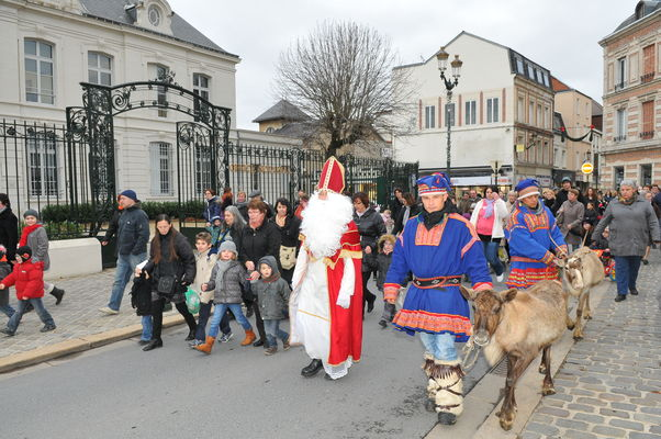 Le Saint Nicolas dans les rues d'Epernay