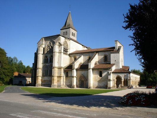 Village de Saint Amand Sur Fion