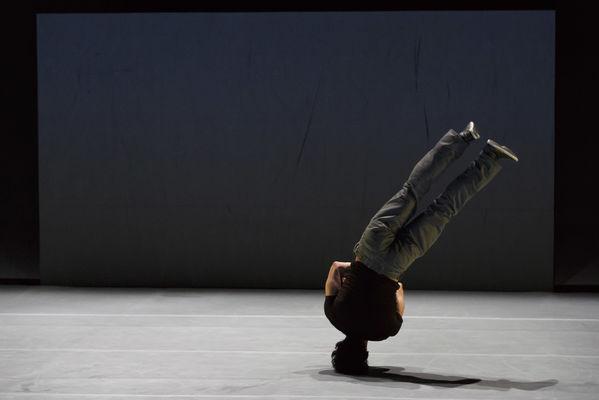 acrobates-comète-chalons-cirque