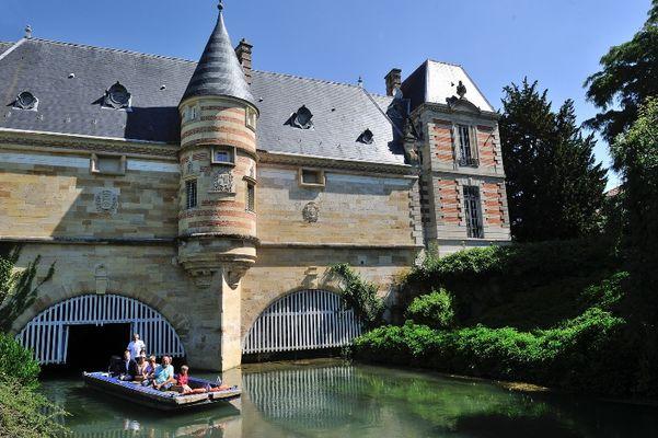 Balade en barque - Château du Marché - Châlons