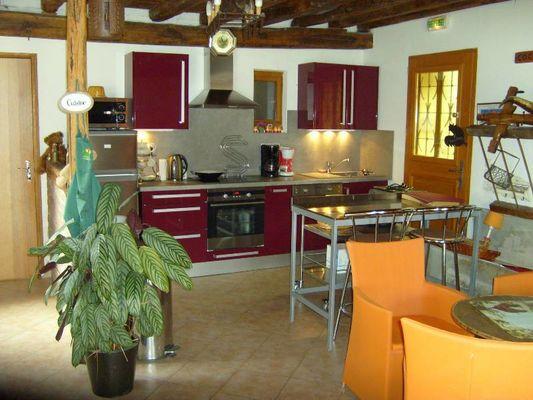 chambres-hotes-les-perrières-st-germain-la-ville-cuisine