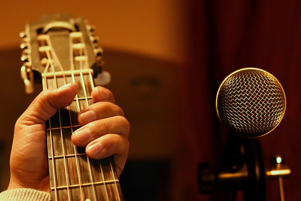 guitar-4231782-1920