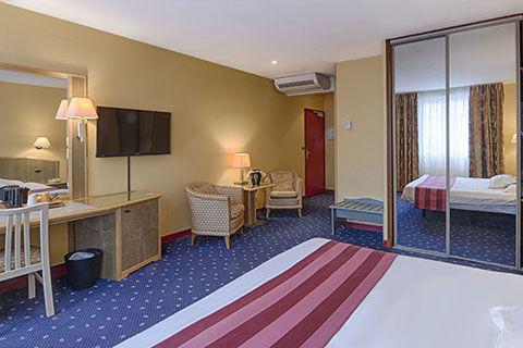 hotel-le-saint-nicolas-chambre-3