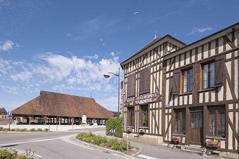 hotel-restaurant-le-tadorne-galerie-facade