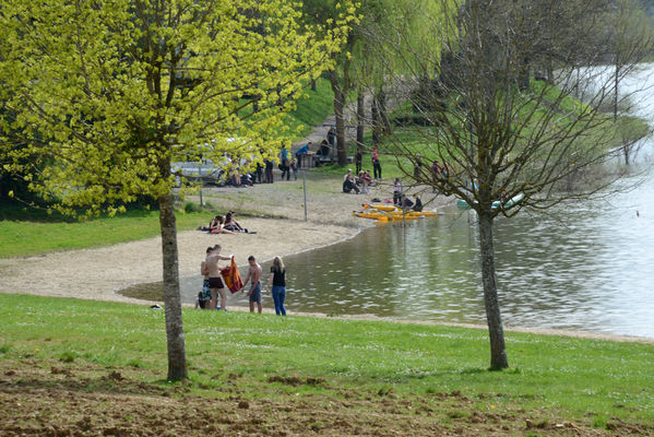 plage-baignades-lac-lescheres-digue-wassy-c-erick-colin