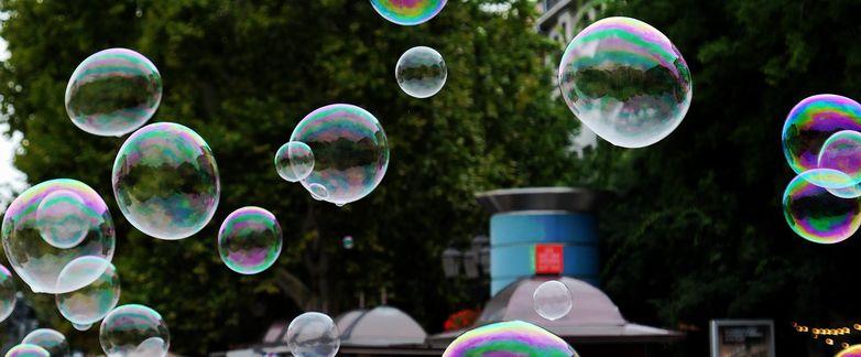 soap-bubbles-3669959-1920