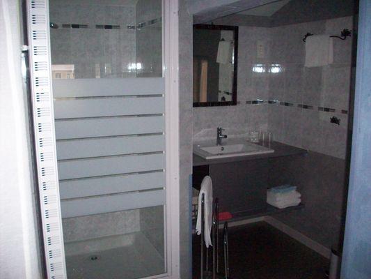 salle d'eau chambre les iris