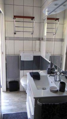 Le studio (la salle de bain)