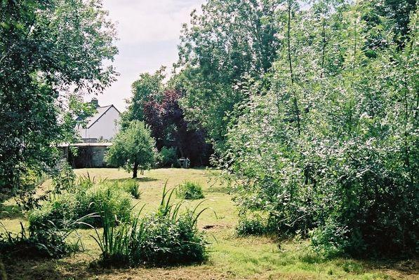 location-chaumiere-au-coeur-de-l-ile-de-fedrun-en-briere-jardin-664982