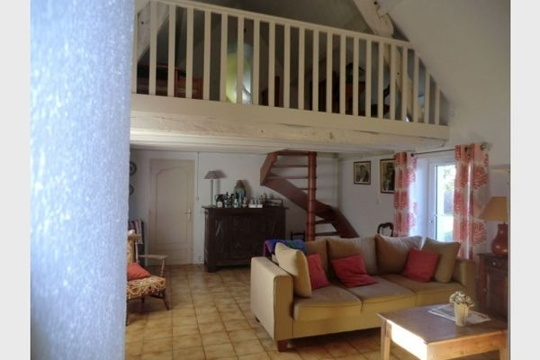 location-de-vacances-chaumiere-parc-naturel-regional-de-briere-salon-rez-de-chaussee-985079