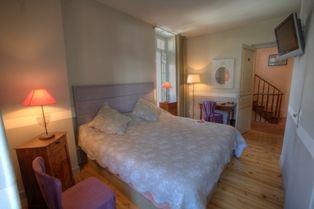 chambre1-hotelbonrepos-jarno-argelesgazost-HautesPyrenees.jpg