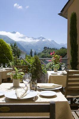terrasse-hotelleviscos-saintsavin-hautespyrenees.jpg-LeViscos.jpg