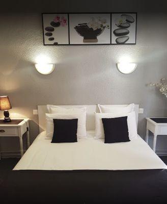 CHAMBRE DOUBLE HOTEL LES GLYCINES (3)