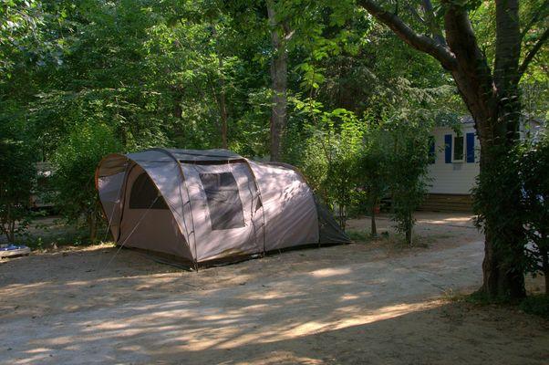 Camping Les Acacias 2