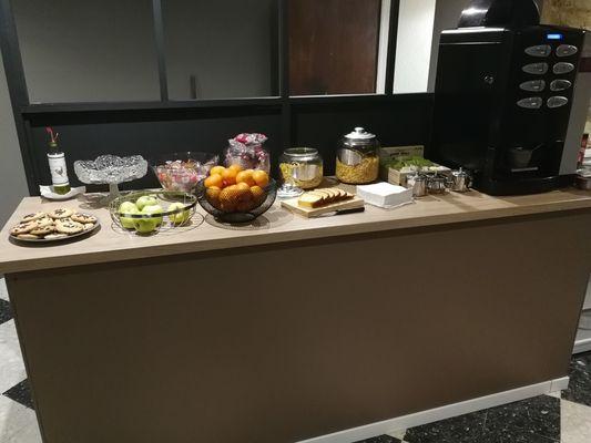 PETIT DEJEUNER HOTEL LES GLYCINES