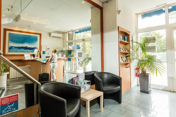 hotel-centre-plage---argeles-sur-mer---recep2