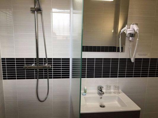 hôtel princess salle de bains chambre single