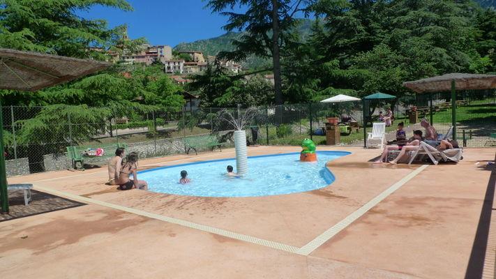 piscine de plein air, pataugeoire