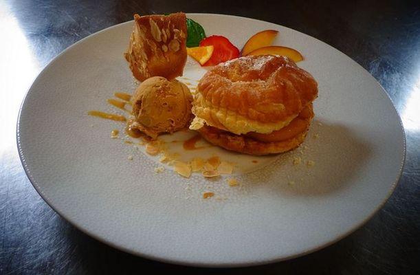 présentation assiette dessert paris brest recadre