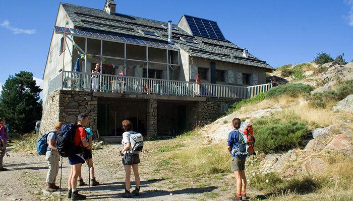 3_randonneurs au refuge de Mariailles