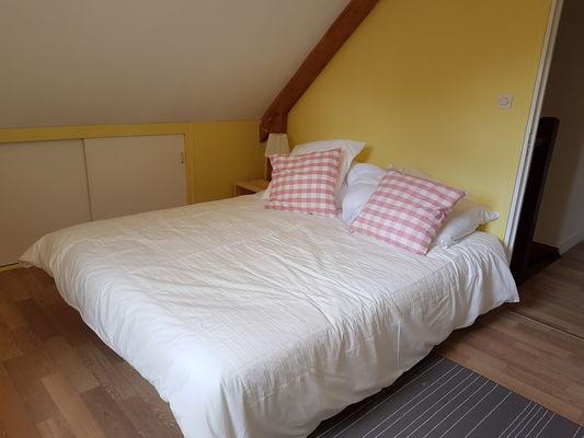 Brachy--Les-5-hetres---Mme-White---chambre-1-grand-lit-3