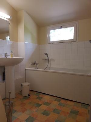 Brachy--Les-5-hetres---Mme-White---salle-de-bains-3
