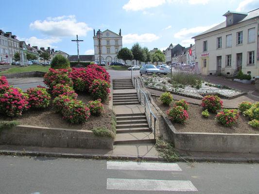 Côté Place du village