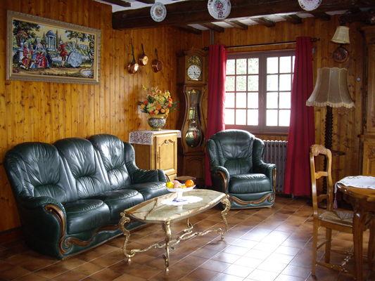 Luneray - Les Hortensias - Salon (3) - Mme Suzanne