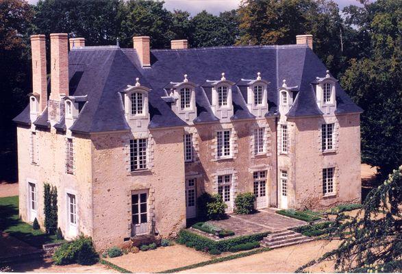 Château des Gringuenières_la chapelle d'Aligné(2)