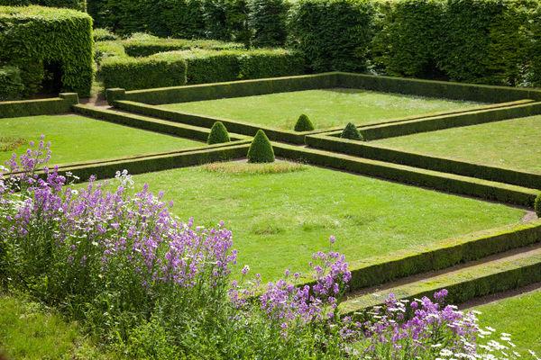 Jardin du chateau_Poncé_JP Berlose (3)