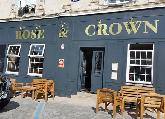 Rose-and-Crown-Le-Lude