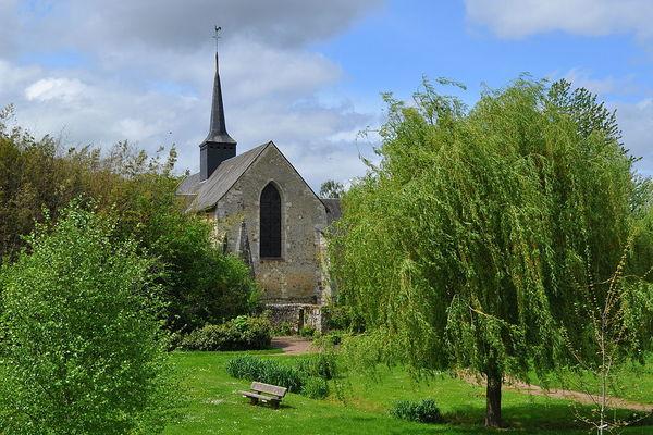 1024px-La_Fontaine-Saint-Martin_-_Eglise_Saint-Martin_2_(2012)