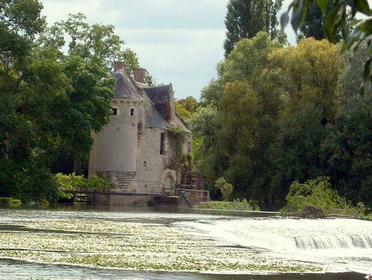 1024px-Moulin_de_Mervé_(Luché)
