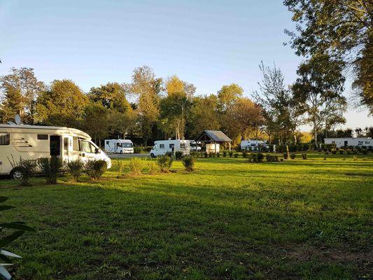 72-bazouges-cré-sur-loir-aire-camping-car-park-aire