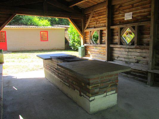 Camping de la Jamoniere (Barbecue)
