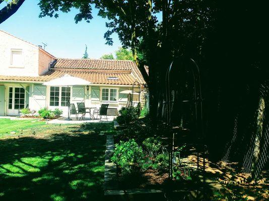 Craig-david-lilac-cottage-85570-saint-valérien-3
