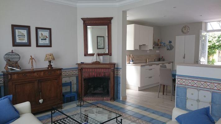 Le Saphir Salon ouvert sur la cuisine