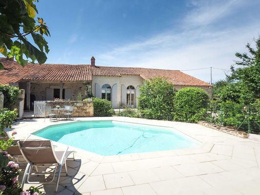 meuble-gite-orangerie-85410-saint-laurent-de-la-salle-2