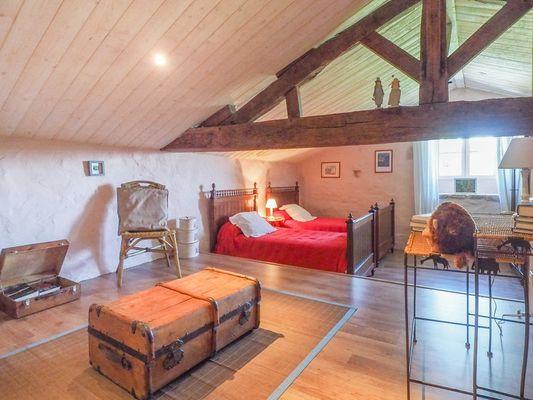 meuble-gite-orangerie-85410-saint-laurent-de-la-salle-9