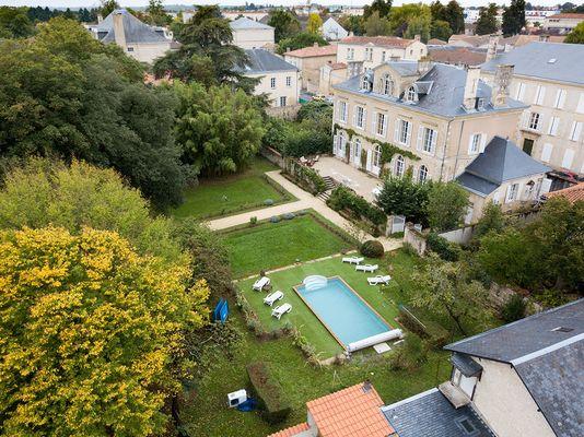 meublé-maison-de-maitre-de-perier-85200-fontenay-le-comte-2