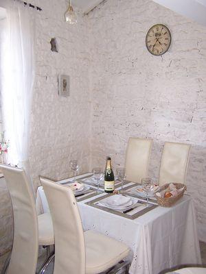meublé-pomme-d-amour-reece-85570-saint-martin-des-fontaines-2