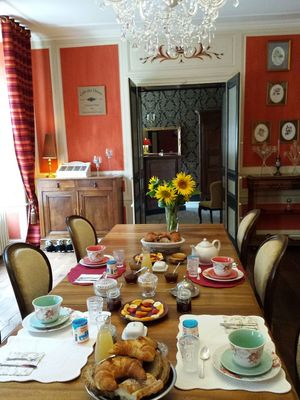 beaux-esprits-chambre-d-hotes-salle-à-manger-fontenay-le-comte-85-13