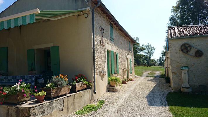 camping-à-la-ferme-saint-michel-le-cloucq-85-4