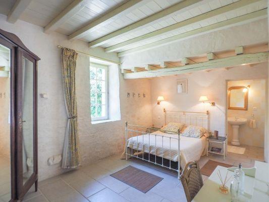 chambres-d-hotes-logis-la-tour-85410-saint-laurent-de-la-salle-1